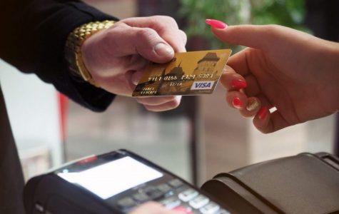 Ušetřete! Nebankovní služby, které pomohou nejen v zahraničí